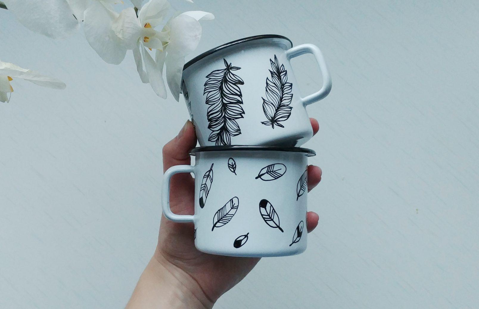 hand painted enamel feather enamel mug, handmade gifts, hand painted camping mugs, bird lover, etsy store shewolfka, nature illustration, white enamle mug, unique gift-01