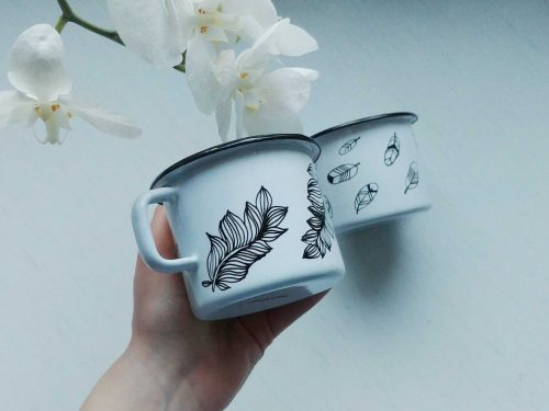 feather enamel mug, handmade gifts, hand painted camping mugs, bird lover, etsy store shewolfka, nature illustration, white enamle mug, unique gift-01